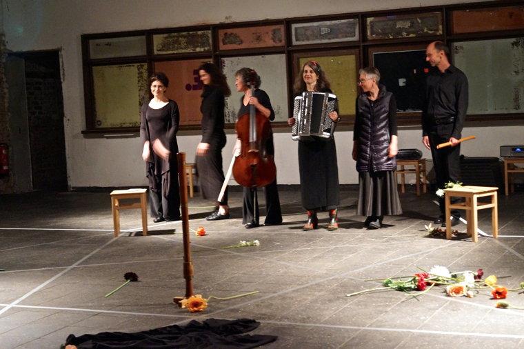 mit Regine Ellmer, Michaela Fünfhausen, Christiane Conradt, Rachel Seifert und Ingo Voelkner Foto: Tassilo Sturm